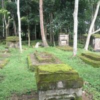 kismis-makam-belanda-yang-penuh-kenangan-mistis