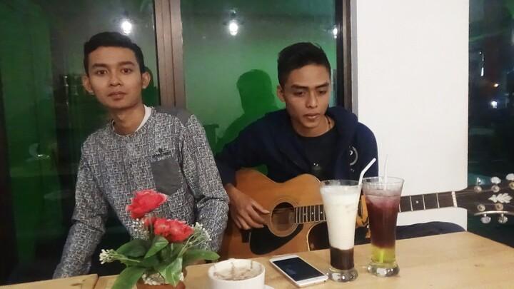 Penyanyi Solo