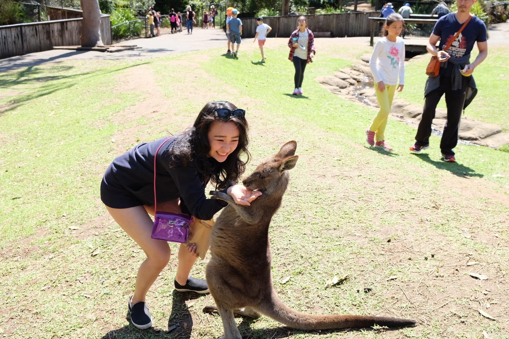 Trip ke Australia kurang lengkap kalau ga foto bareng yang satu ini ;)
