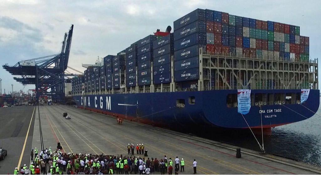 Pelepasan Ekspor Indonesia dengan Kapal Besar