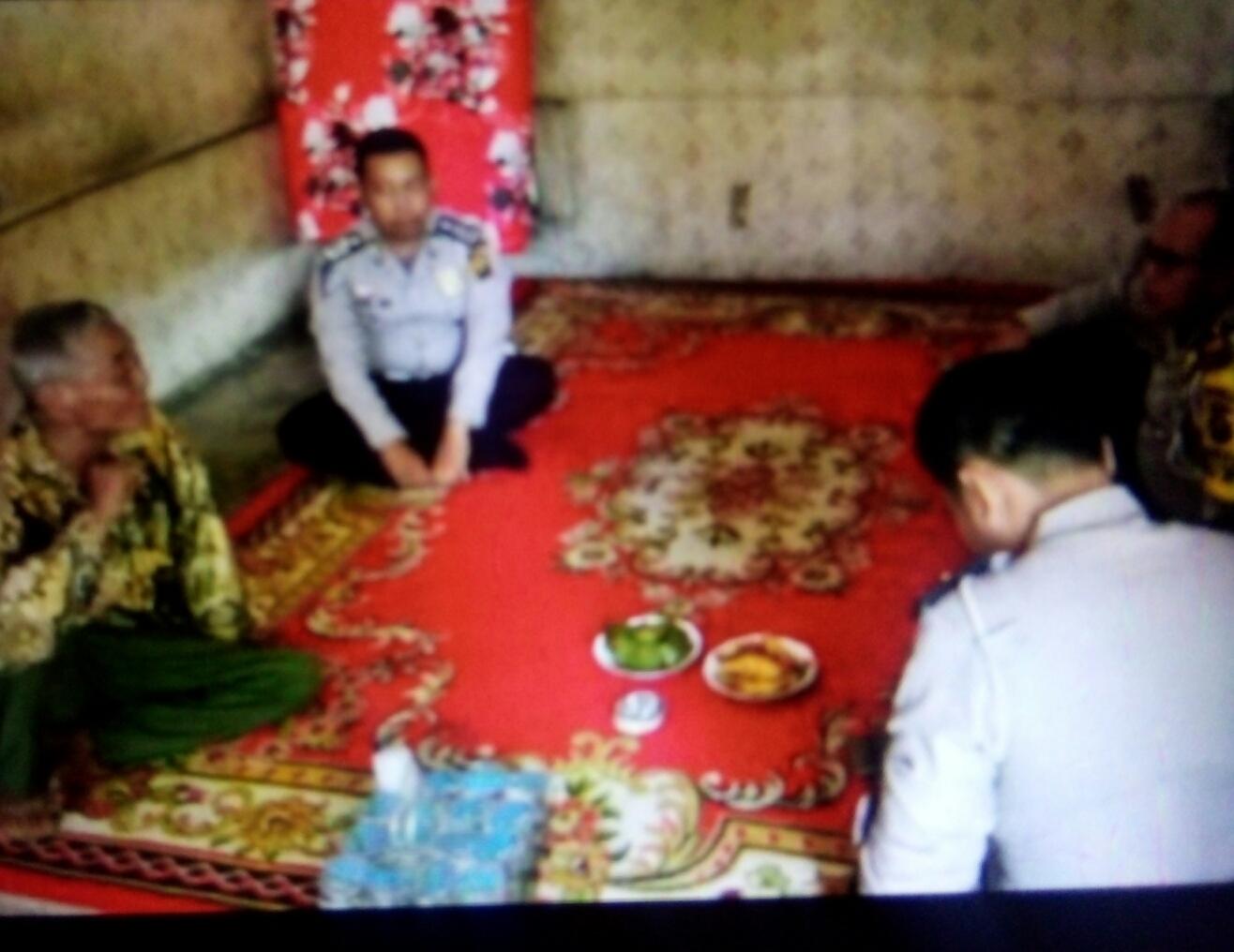 Giat (LDD) Polantas Banyuasin Beri Sembako Warga Kurang Mampu